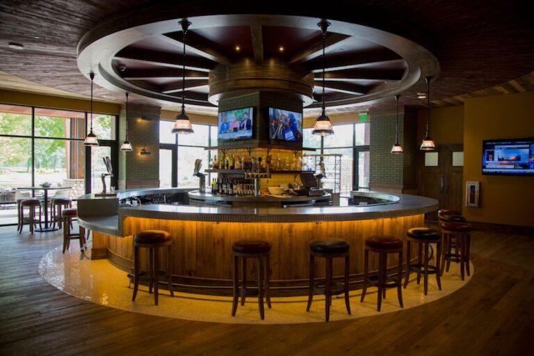 The circular bar at SentryWorld Golf Course